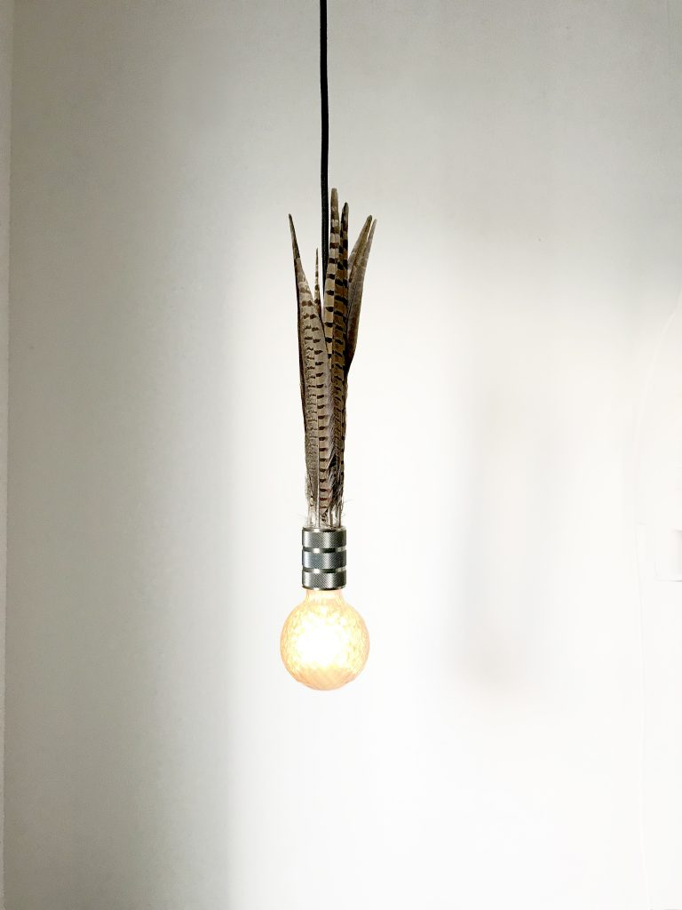 feather_lamp_koen_venneman_neok_design_1_aan