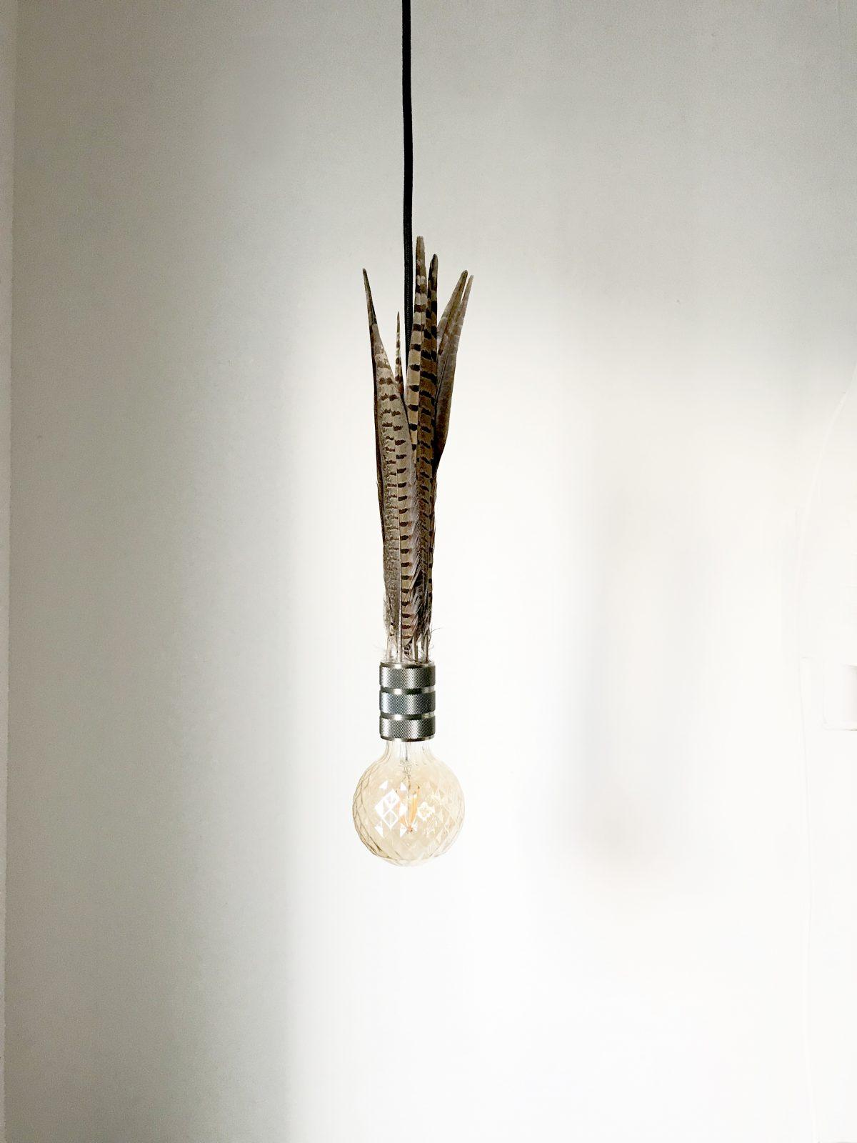 feather_lamp_koen_venneman_neok_design_1_uit